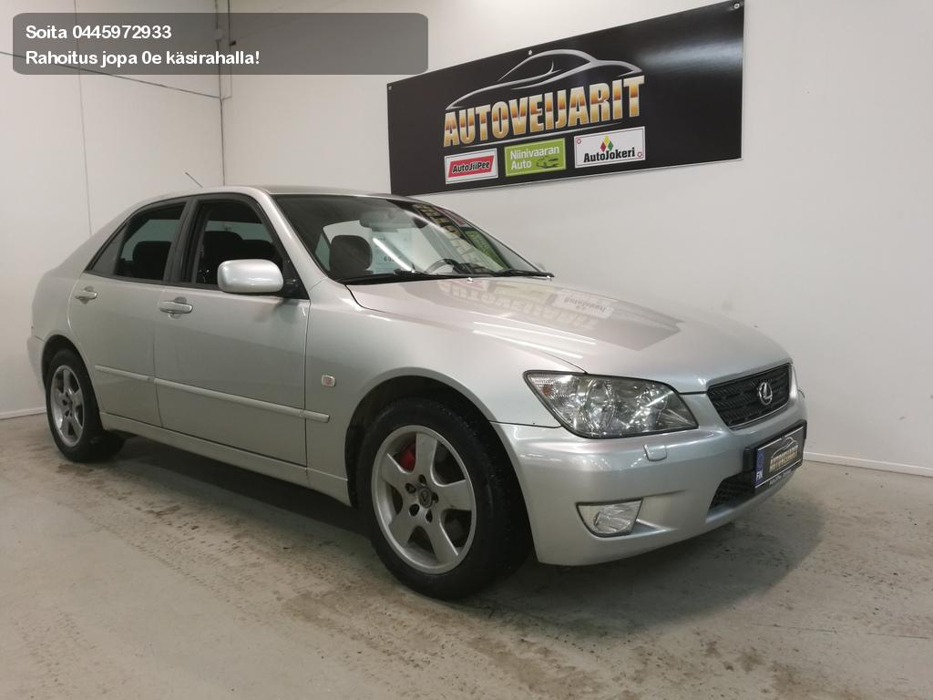 Lexus IS Sedan 200 2002