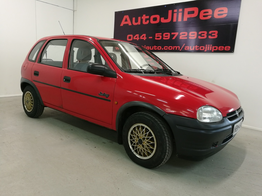 Opel Corsa Sedan 4D  1.4I SWING A 1995