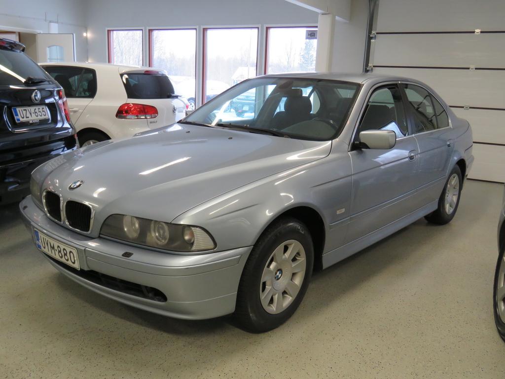 BMW 520  520I SEDAN AUTOMATIC-