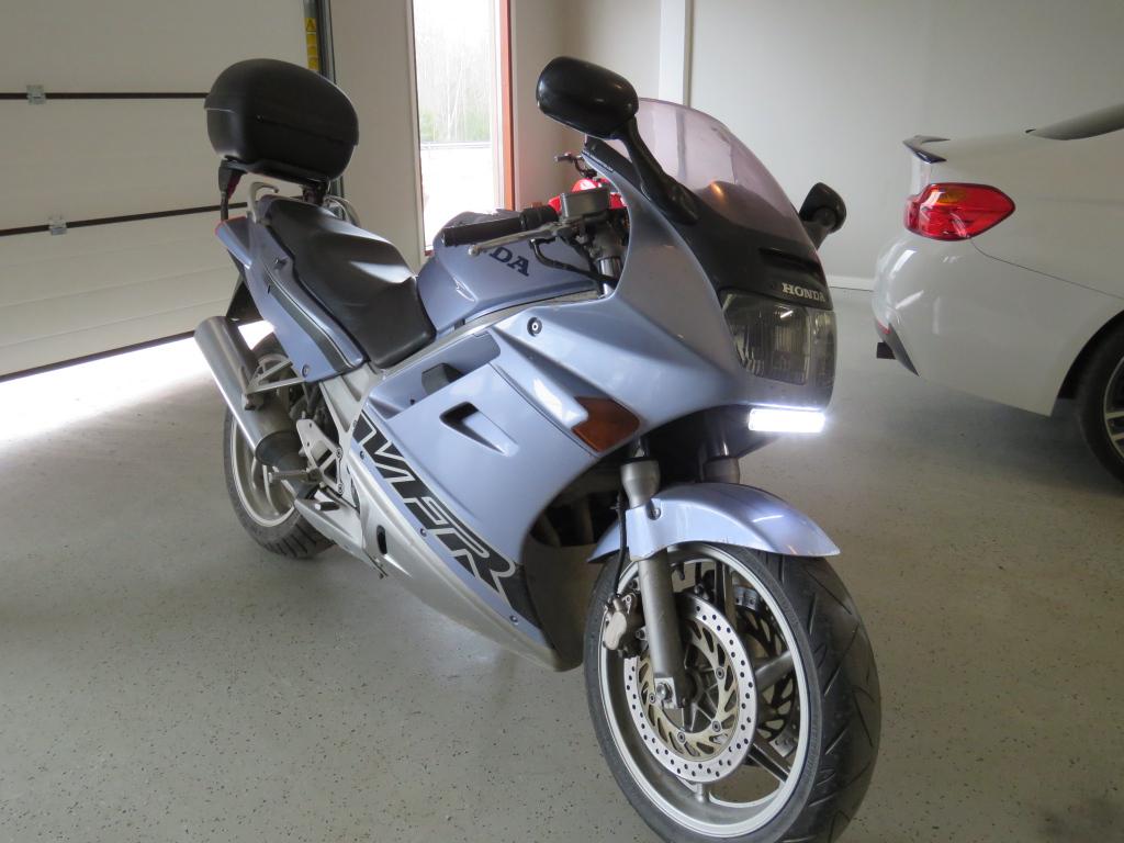 Honda VFR 750F  katu-matka-sport