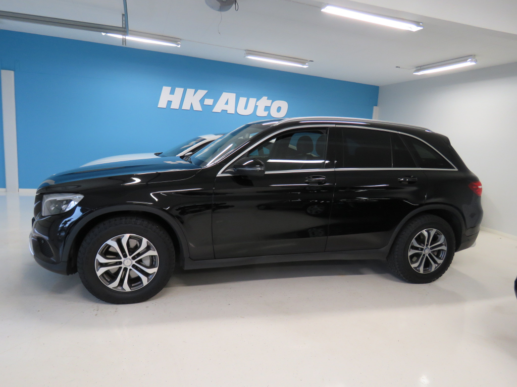 Mercedes-Benz GLC GLC 250 d 4MATIC A Premium Business/ Led-Ajovalot / Navigointi / Adap.Vakionopeudensäädin / Vetokoukku