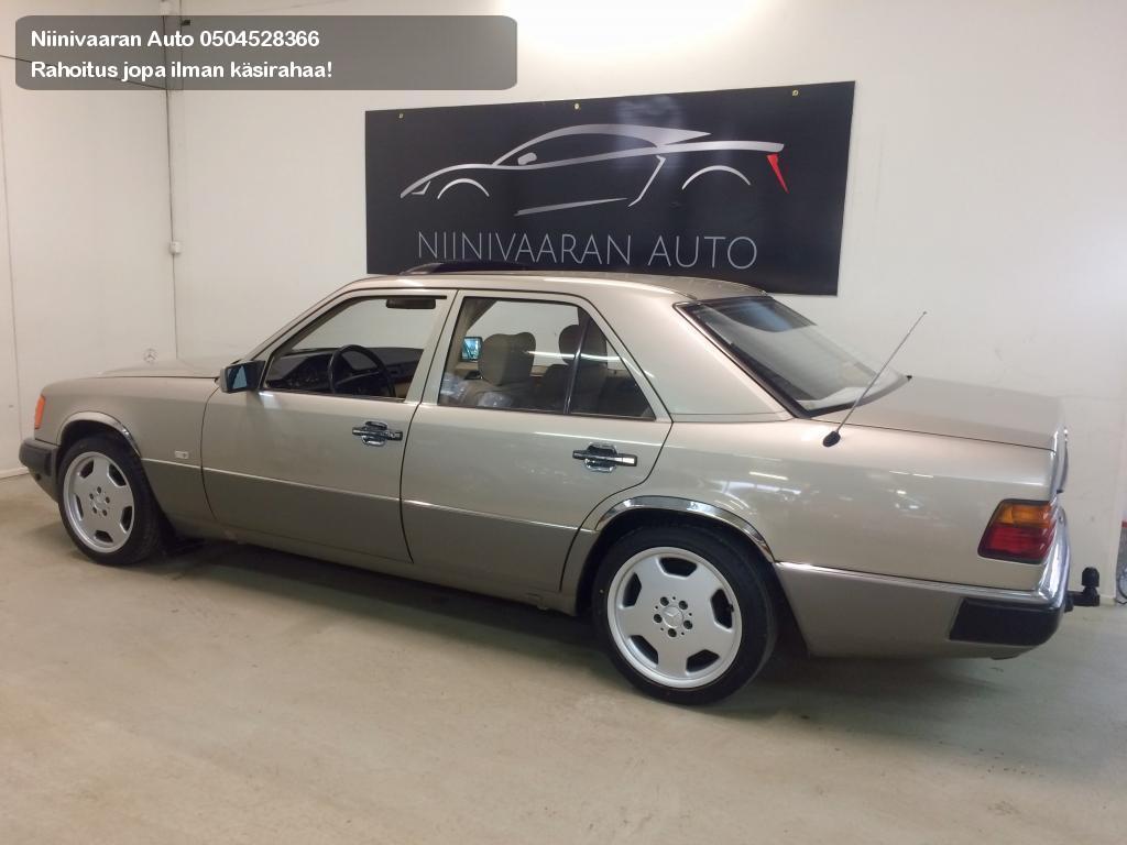 Mercedes-Benz E Sedan 230 Automatic 1990