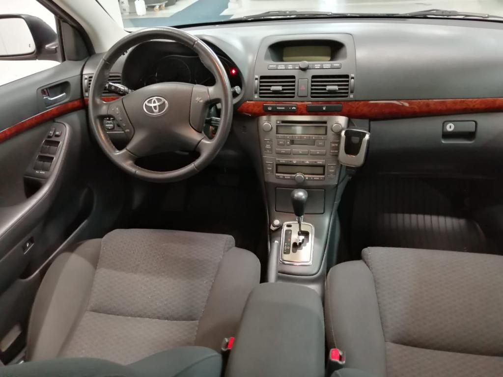 Toyota Avensis Sedan 2.0 VVT-i Sol Elegant 2005