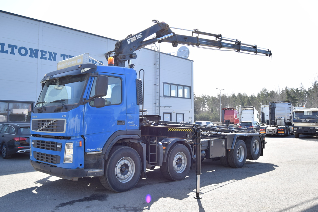 Volvo FM440 8x2 HIAB 220 & Multilift year model 2007