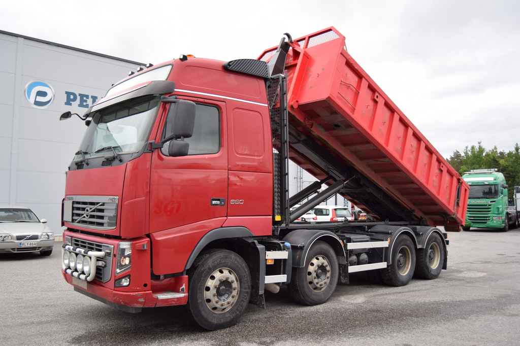 Volvo FH660 8x4 JOAB 24T Koukkulaite vm 2009